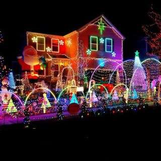 Find the best Christmas lights displays in town