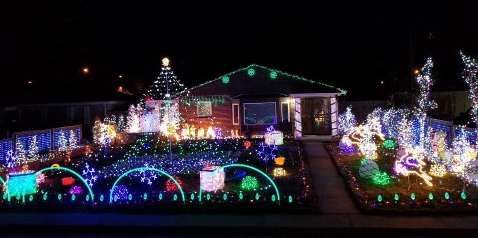 most spectacular christmas light displays in the denver area mile high on the cheap. Black Bedroom Furniture Sets. Home Design Ideas