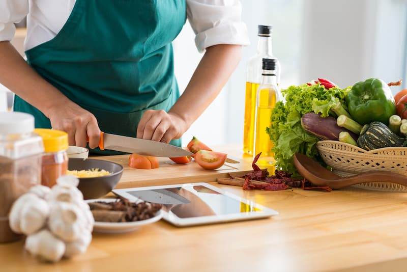 10 Best Free Online Cooking Classes - Mile High on the Cheap